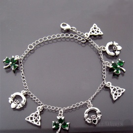 Irish Charm / Green Shamrock Bracelet