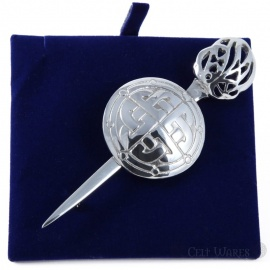 Round Shield 4x Knots Pewter Kilt Pin