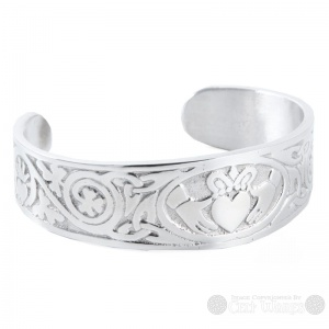 Pewter Bangle - Claddagh